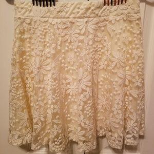 Skirt with transparent design